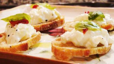 Burrata Cheese Crostini