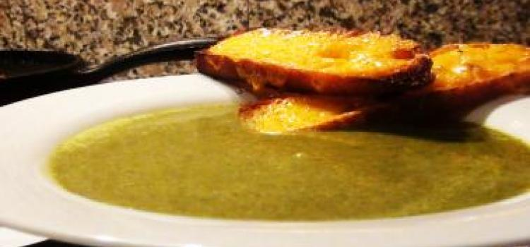 Broccoli Soup with Cheddar Croutons