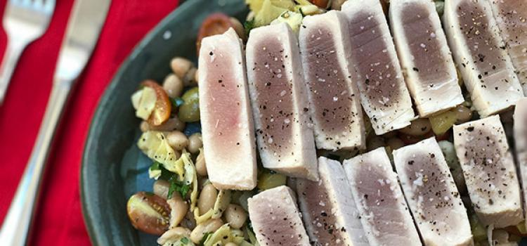 Review of Sun Basket's Lemon-Rosemary Poached Tuna Over White Bean Salad