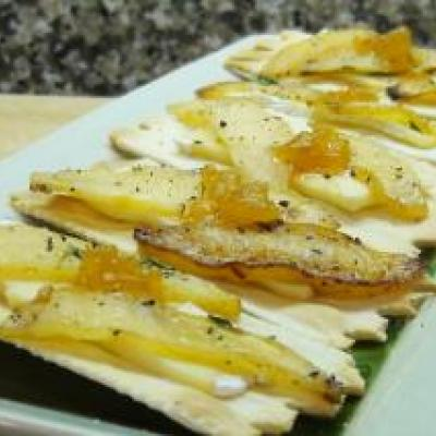 Apple and Brie Hors d'oeuvre
