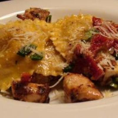 Ravioli with Chicken and Sundried Tomato