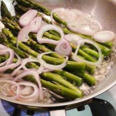 Sauteed Asparagus with Shallot Recipe