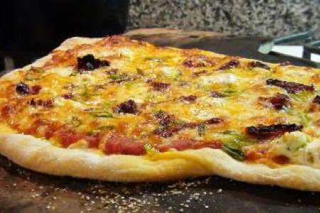 Sun Dried Tomato & Goat Cheese Pizza