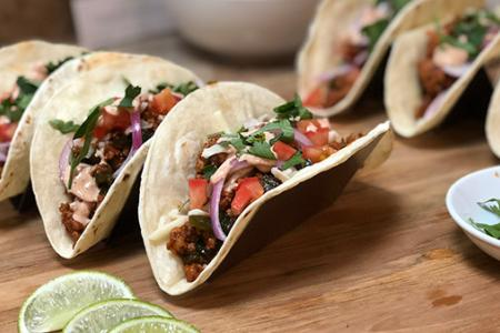 Review of HelloFresh's Pork Carnitas Tacos with Pickled Onions & Monterey Jack Cheese