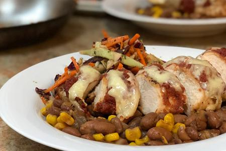 Review of Green Chef's Chicken with Enchilada Sauce with Pinto Beans & Corn, Cabbage-Carrot Slaw